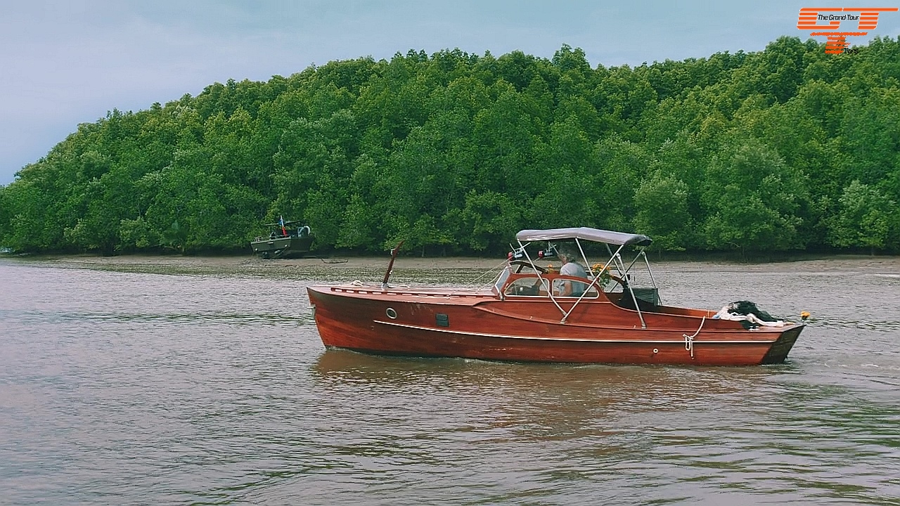 Pettersson Riverboat with James May